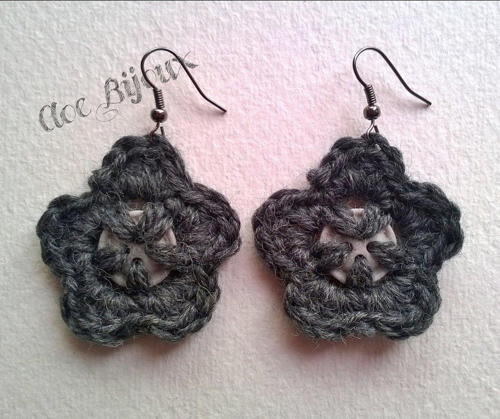 Orecchini Crochet fiore Grigio