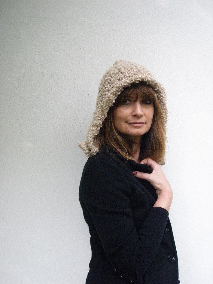 Accessori donna Cappello Asimmetrico in lana bouclé fatto a mano Moda donna autunno inverno Cappello con bottone