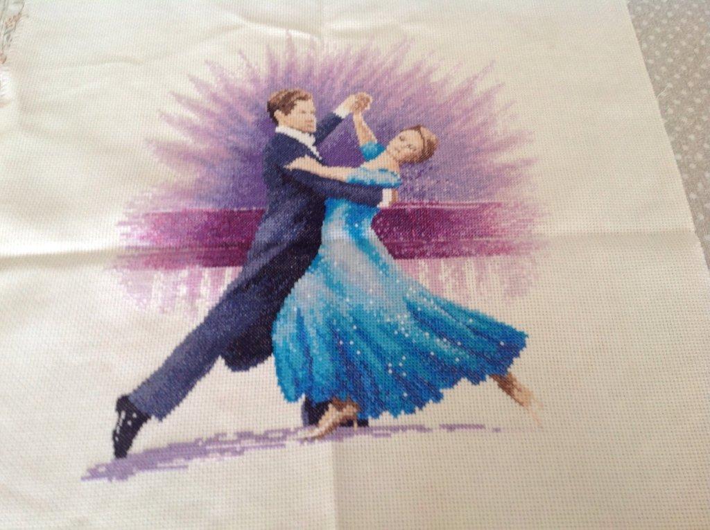 """ Dancer "" ricamo a punto croce cm 25 X 27"
