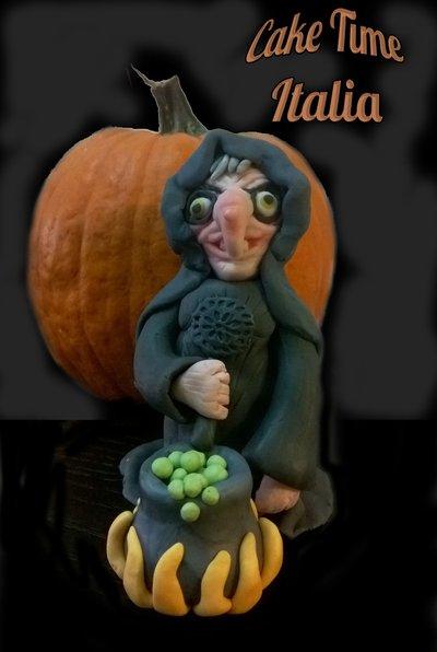 Strega di halloween in pasta di zucchero