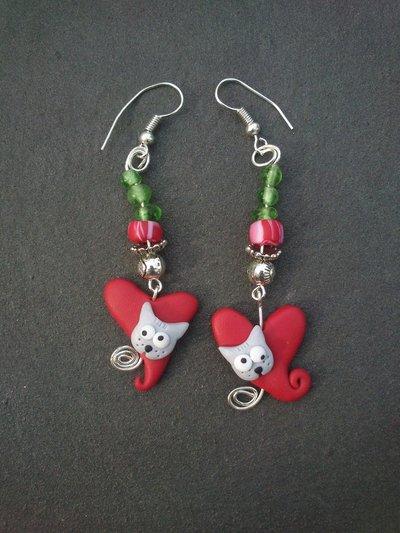 orecchini pendenti cuore rosso con gattino