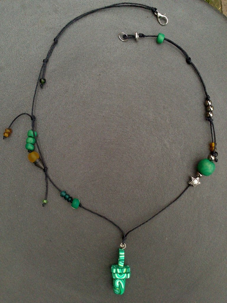 collana malachite, in fimo,perline di vetro colorate e metallo