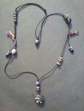 collana viola e nera in fimo