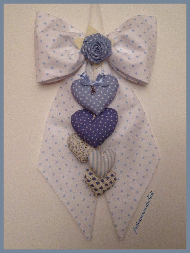 INSERZIONE RISERVATA PER FRANCESCA Fiocco nascita in piquet di cotone bianco a cuoricini azzurri