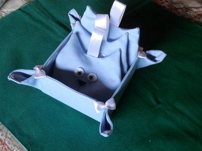 Cestino con n. 3 sacchetti profuma armadio o biancheria a sagoma gatto in cotone