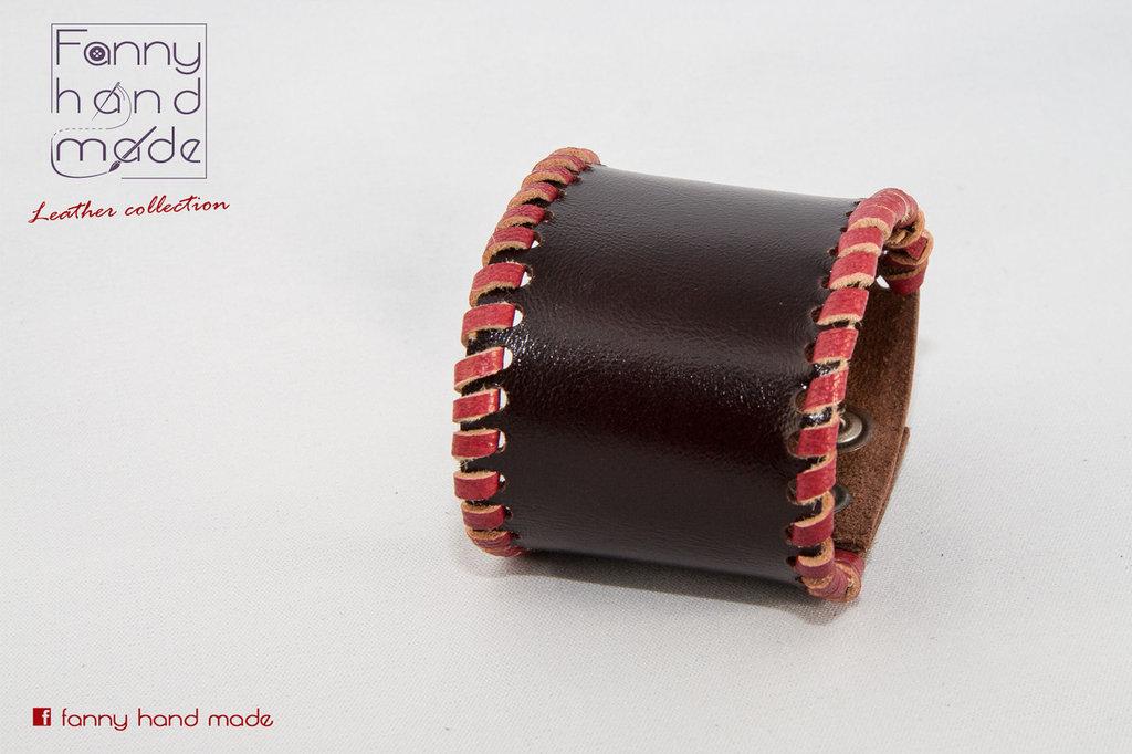 Bracciale in pelle con bordino rosso - Unisex