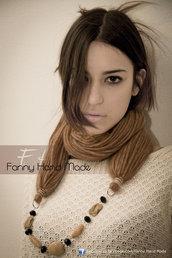 Sciarpa - scaldacollo - collana di lana color beige. Tre in uno