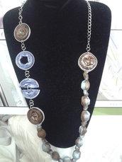 collana con cialde e tessuto - azzurro/marrone-