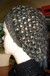 Cappello realizzato all'uncinetto