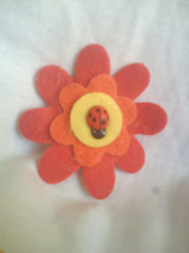 """Fermacapelli """"fiore e coccinella"""""""