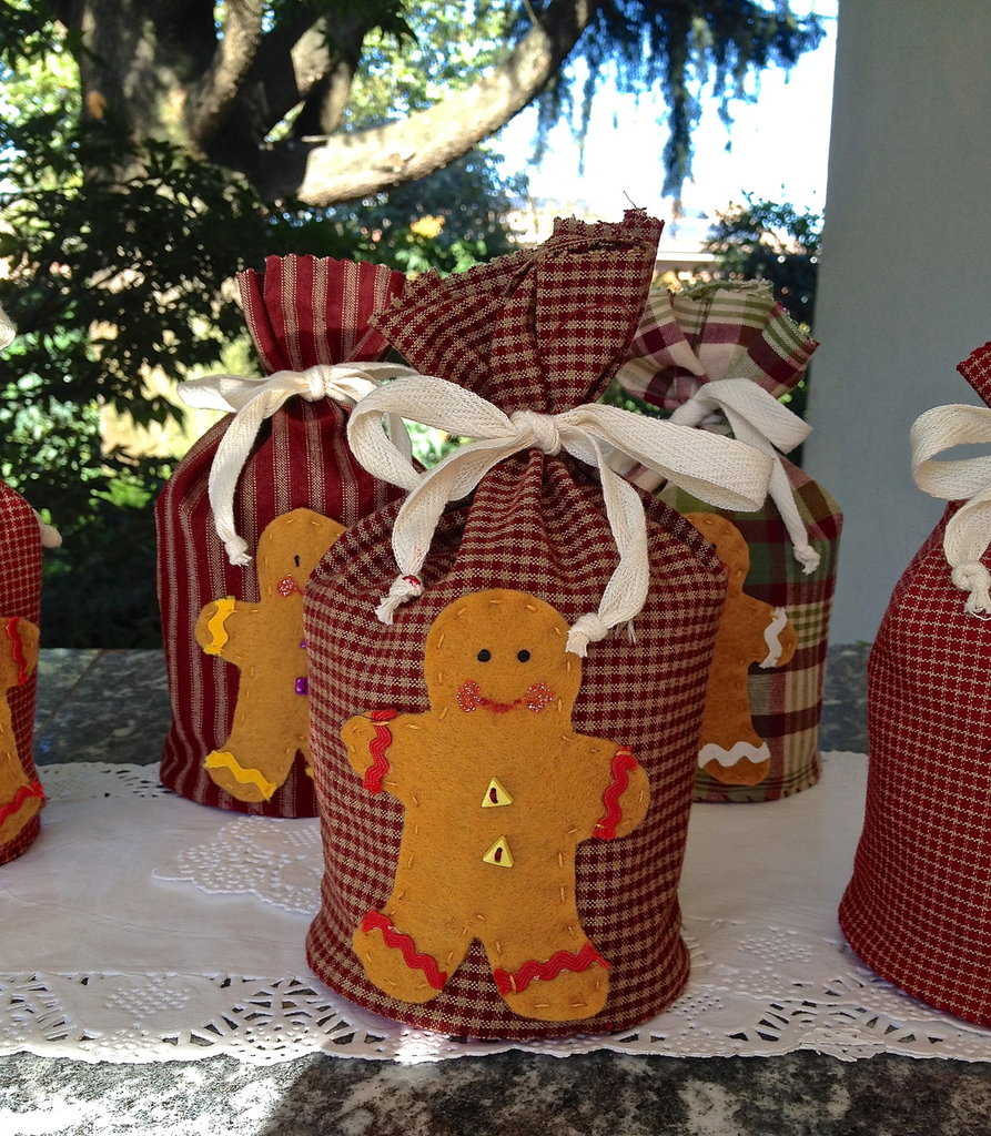 Natale - porta panettone piccolo (gm 100) con ginger