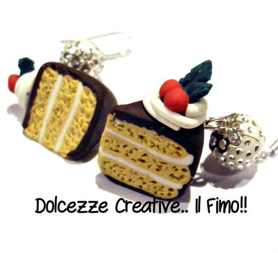 ☃ Natale In Dolcezze ☃ Torta alla vaniglia con glassa al cioccolato ed agrifoglio .