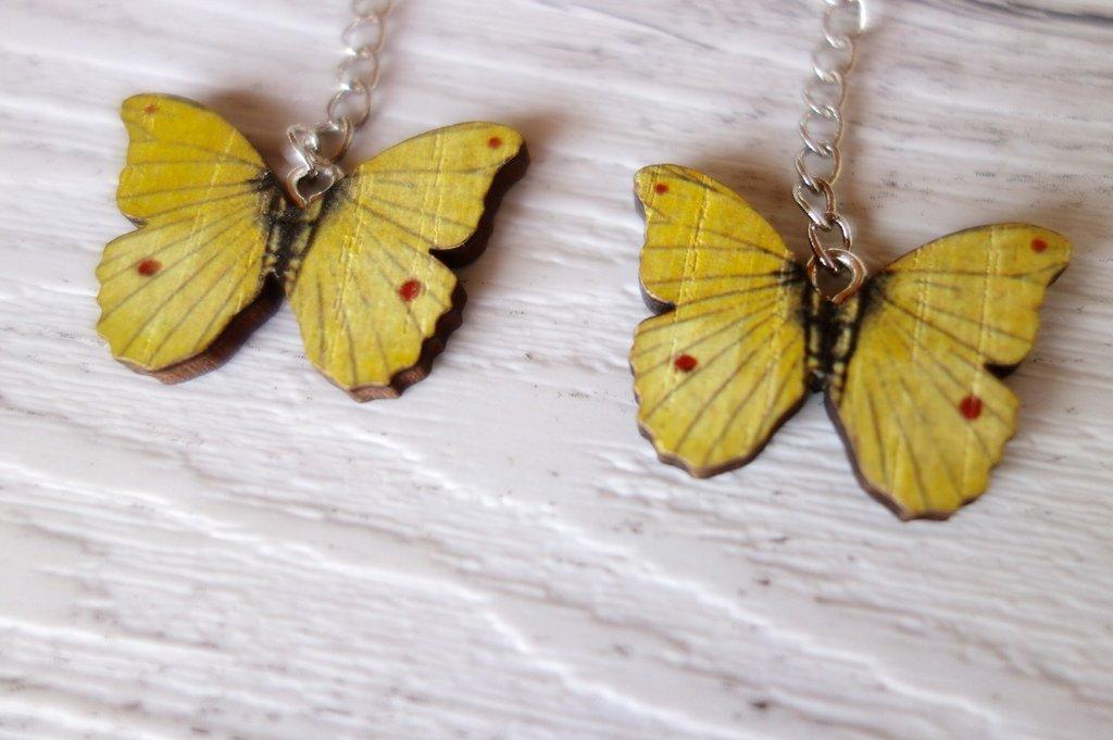 Orecchini Farfalla in legno (toni del giallo) - un aiuto agli animali abbandonati, negozio solidale pro cani e gatti di Treviso