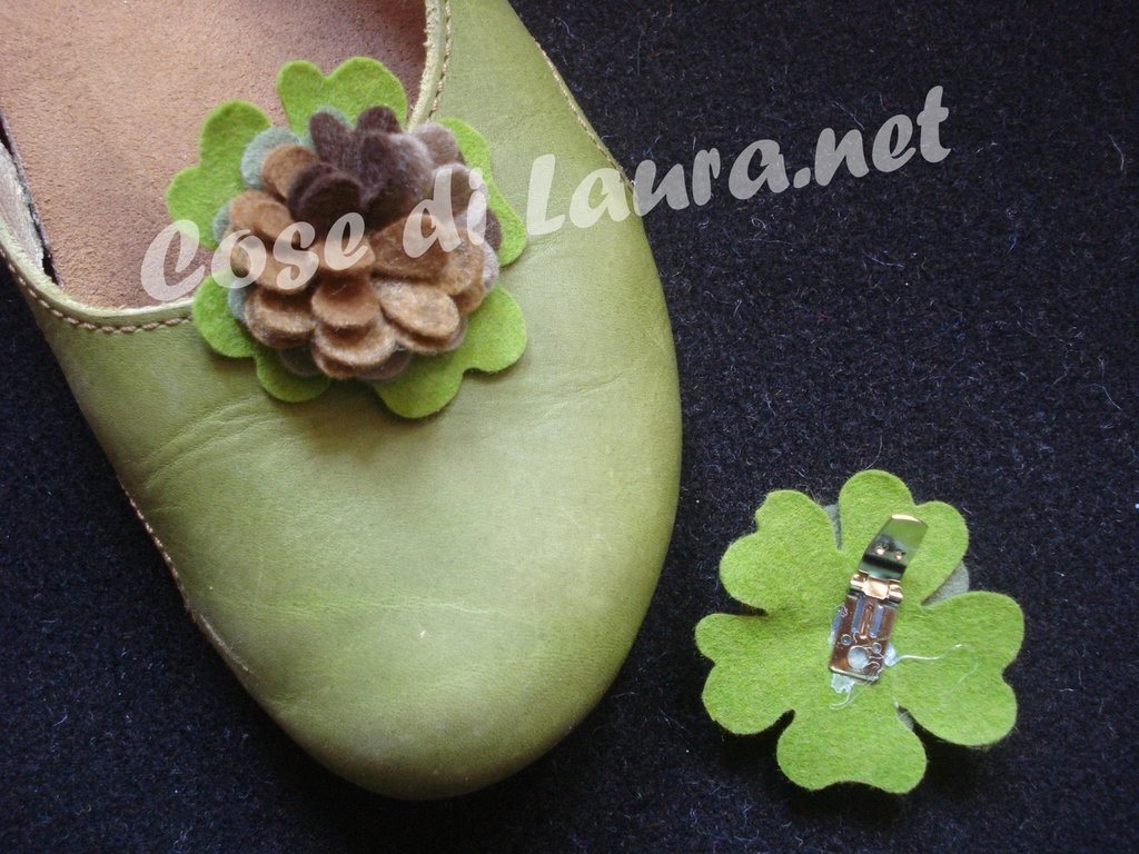 Clip floreali per scarpe