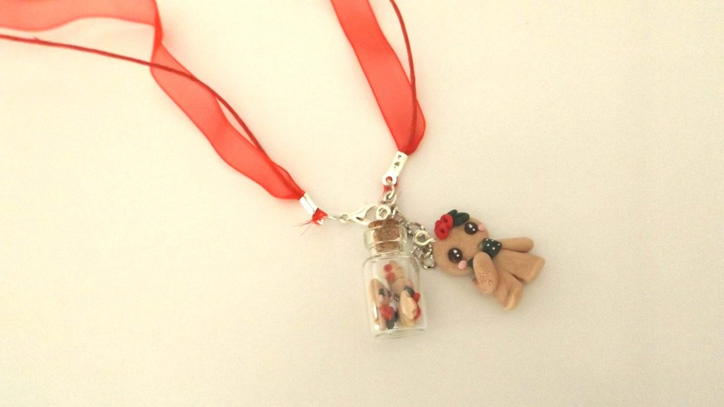 JUST XMAS -  COLLANA   BOTTIGLIETTA fimo con biscottini gingerbread omini di pan zenzero e biscottino mod. 3  - SOLO 4 MM!!!   - idea regalo natale