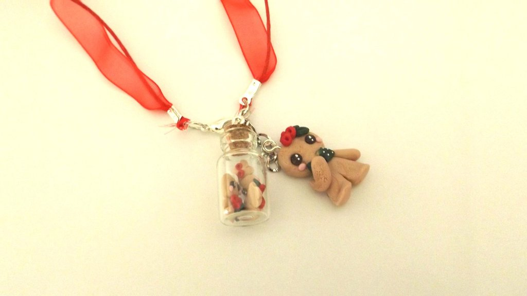 JUST XMAS -  COLLANA   BOTTIGLIETTA fimo con biscottini gingerbread omini di pan zenzero e biscottino mod. 4  - SOLO 4 MM!!!   - idea regalo natale