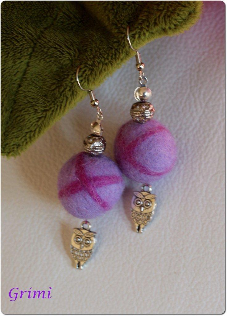 Orecchini pendenti con lana cotta e piccolo gufo