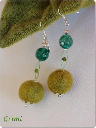 Orecchini pendenti con lana cotta e agata verde