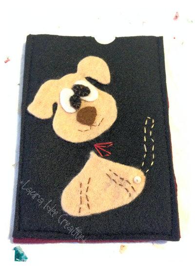 Portacellulare in feltro cagnolino