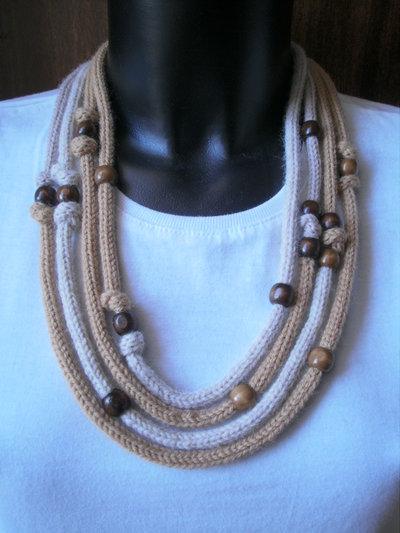 collana in lana a 4 fili