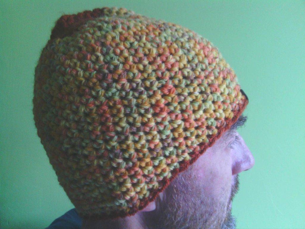 _cappello  uomo, donna  ragazza in lana, fatto a mano all'uncinetto C074