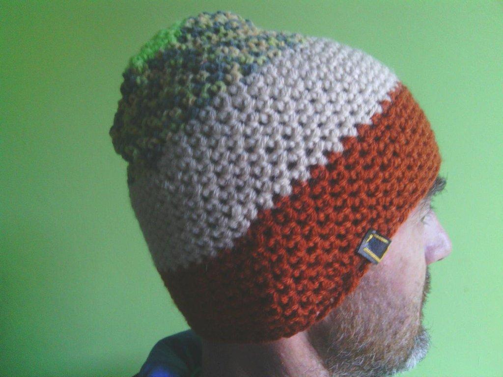 _cappello  uomo, donna  ragazza in lana, fatto a mano all'uncinetto C076