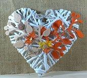 cuore in vimini con rami in feltro