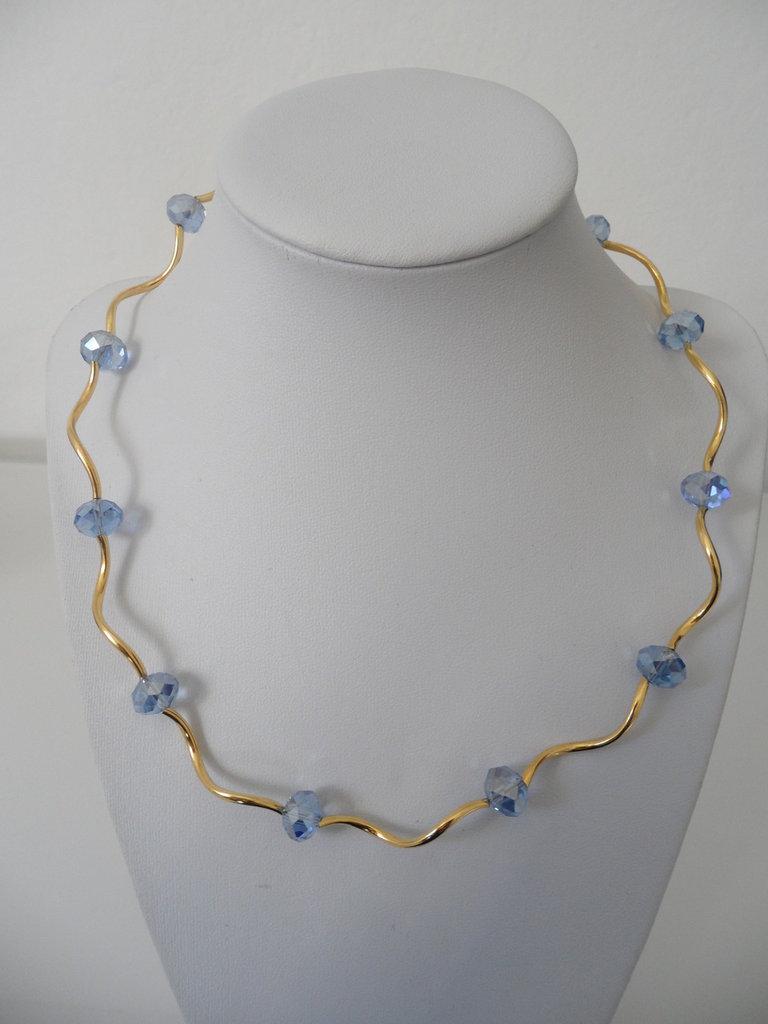 Girocollo Luminoso Dorato con Cristalli Azzurri