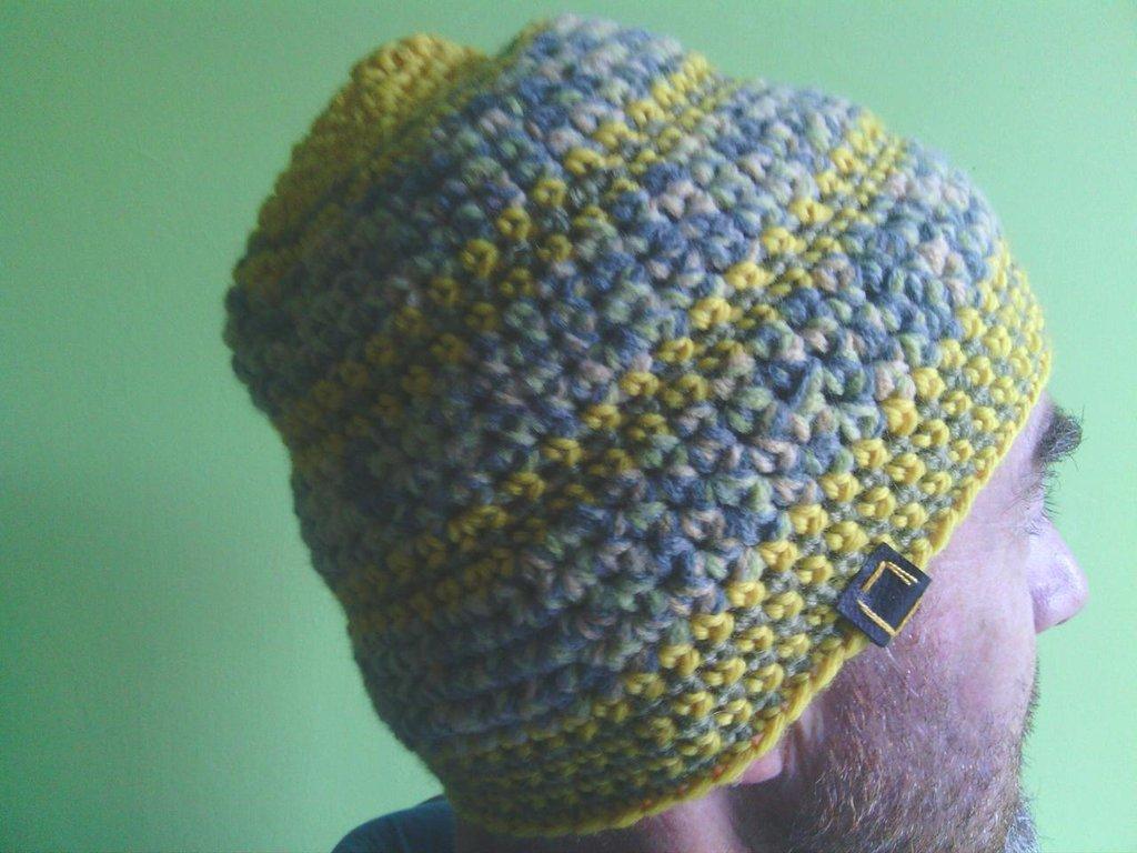 _cappello  uomo, donna  ragazza in lana, fatto a mano all'uncinetto C071