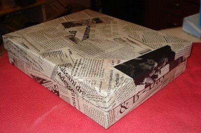 Scatola con giornali