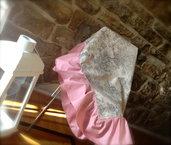 Tovaglia romantica toile de jouy con volant rosa antico