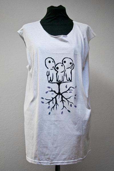 T-shirt senza maniche con stencil kodama e albero capovolto