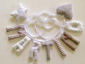Martino: ghirlanda di lettere di stoffa imbottite a strisce e pois beige
