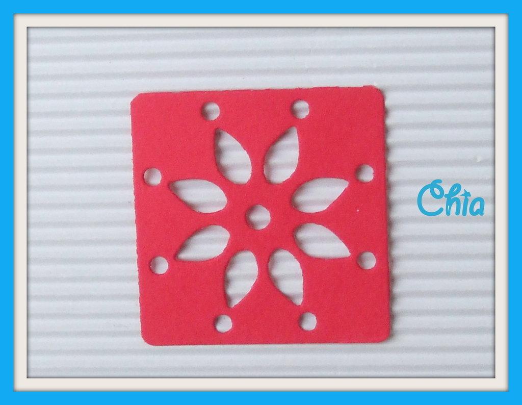 5 quadrati traforati a fiore in cartoncino in colori assortiti