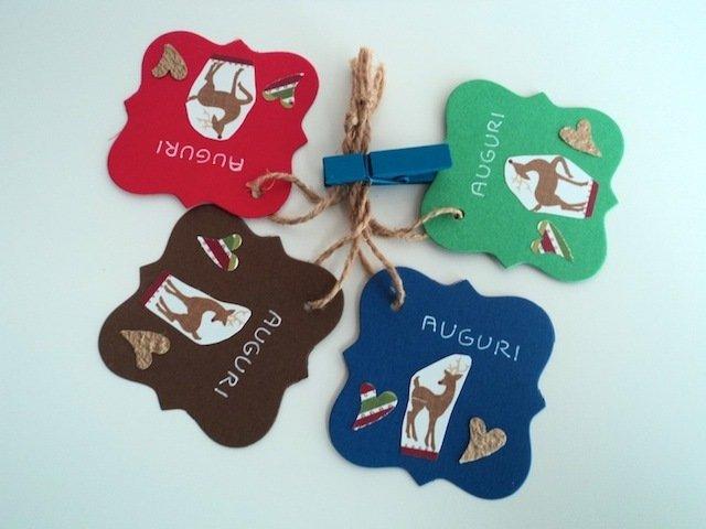Set di 4 tag chiudi pacco Natale semplici con cuori e cerbiatto