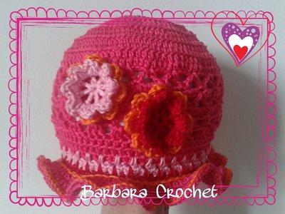 Cappellino per bimba con Rose d'Irlanda