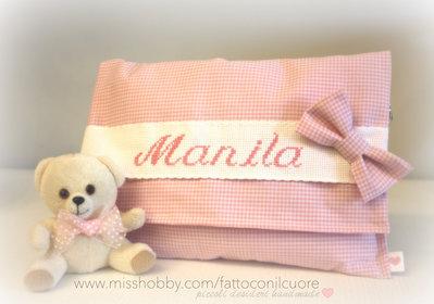 pochette a quadretti rosa con papillon personalizzato  ideale come portapannolini e cambio per il tuo bebè