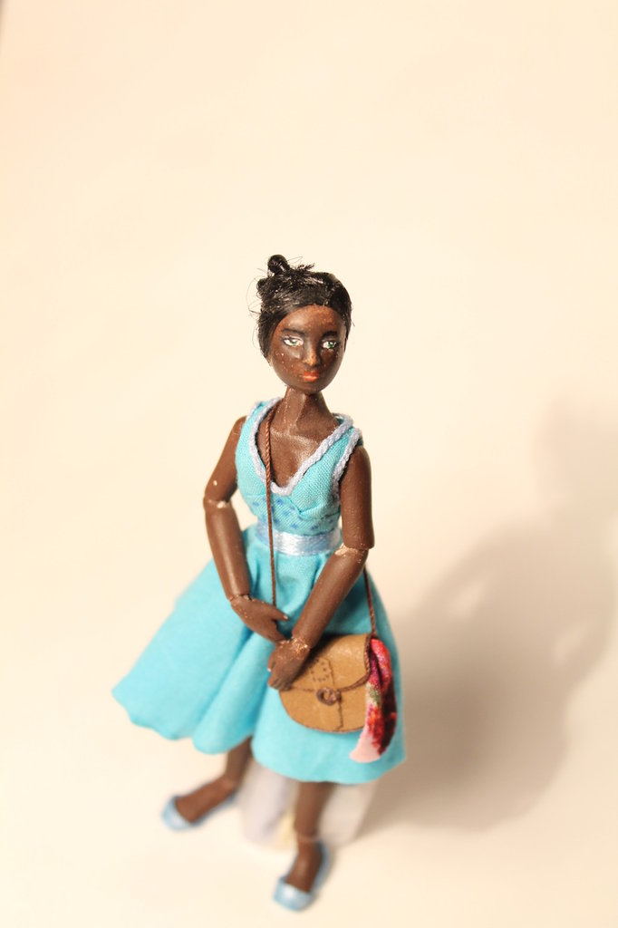 Bambola per  Dolls House 1:12 Bejide  artigianale