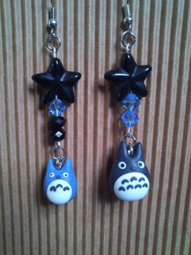 ORECCHINI ANIME - TOTORO con stelle in onice e cristalli swarovski blu