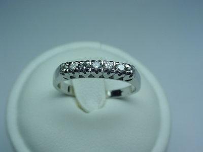 Anello Fedina in oro 18kt e diamanti taglio brillante.