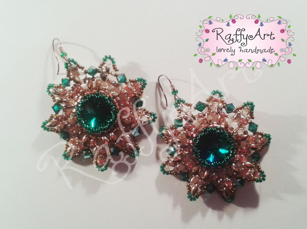 """Orecchini con perline e cristalli """"Emerald Sun"""""""