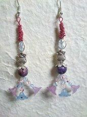 ORECCHINI pendenti con sfere di rubino burattato,cristallini swarovski,fiorellini di vetro satinato e gufi in metallo