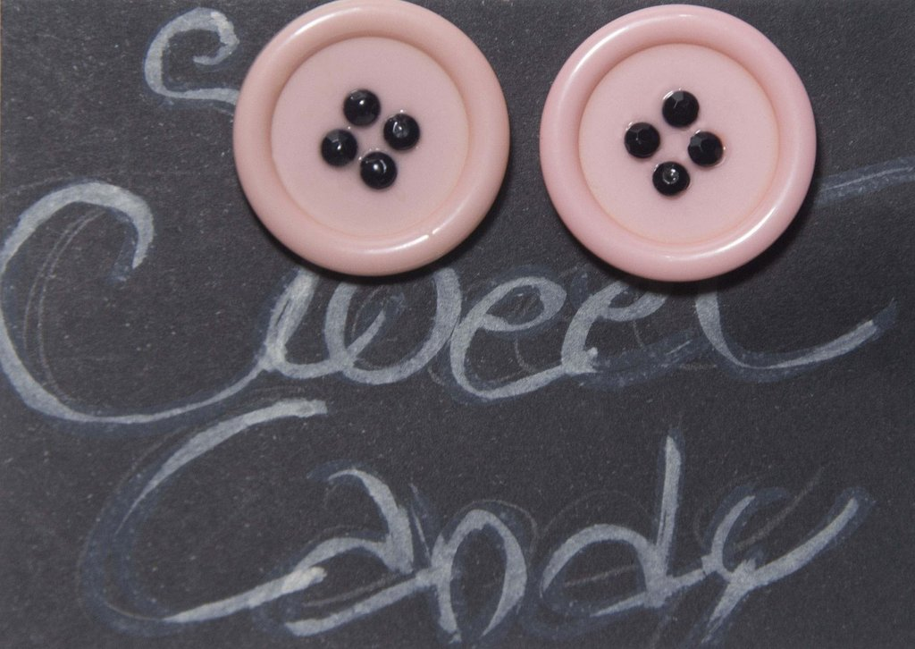 orecchini a bottone rosa