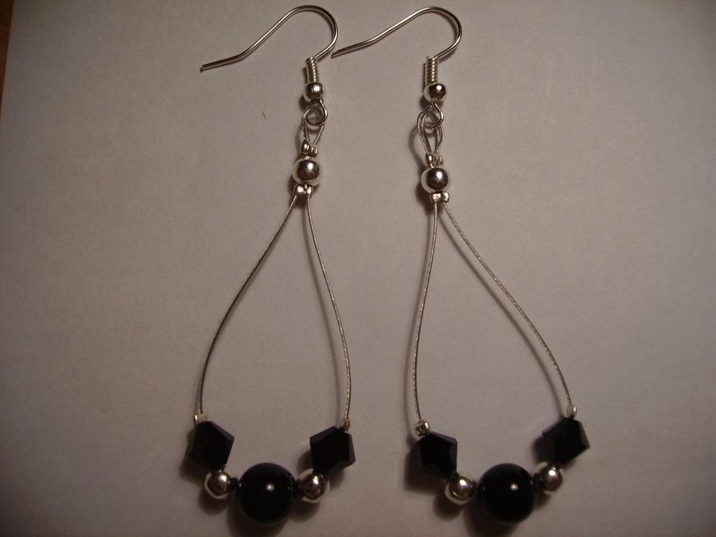Orecchini swarowsky e perle nere