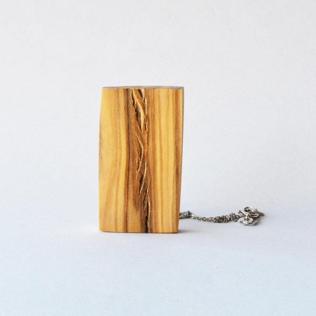 Collana rettangolare in legno, fatto a mano