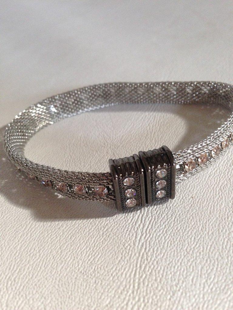 braccialetto con strass e chiusura automatica