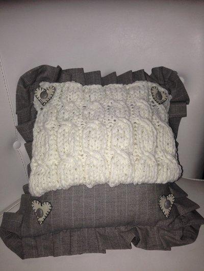 cuscino 40x40 caldo panna e grigio gessato