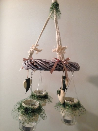 Lanterne o portacandele da appendere con ghirlanda