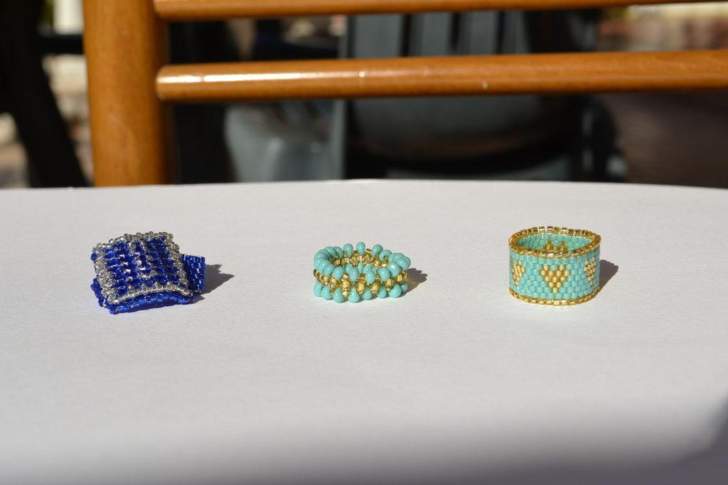 Anelli turchese e blu tecnica peyote