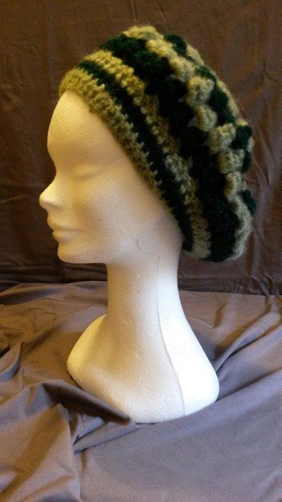 Basco in lana verde a righe